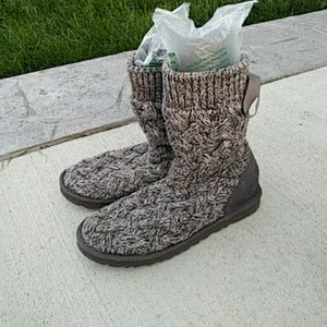 Ugg lace up gray knit boots women size 10